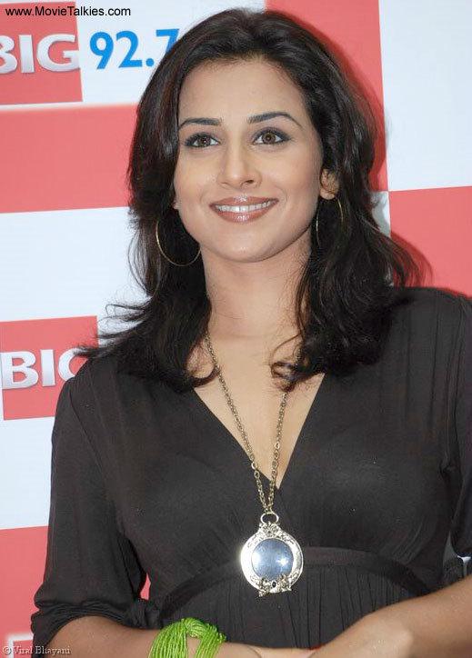 Vidhya Balan  Puredesipics-7801