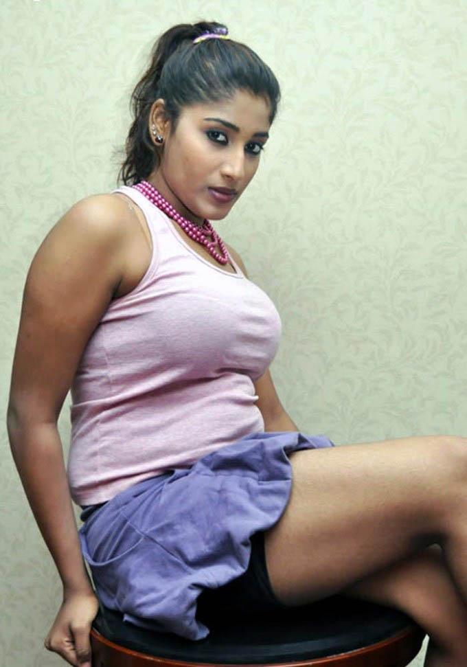 Soumya Krishnan Big Boobs Stills  Puredesipics-3714