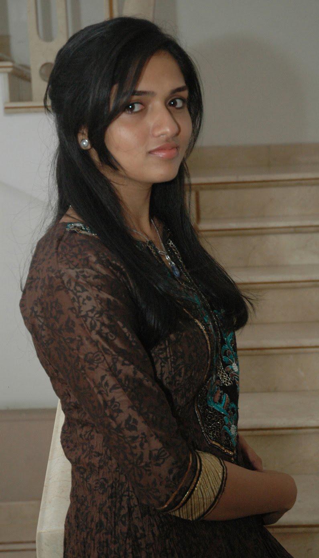 Sunaina  Puredesipics-9885